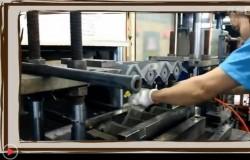东莞硅胶制品厂现场生产音响硅胶护套过程